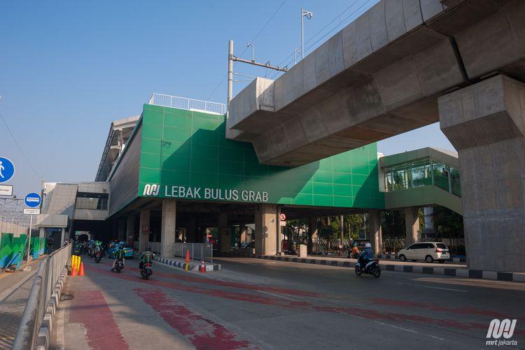 Stasiun MRT Jakarta Lebak Bulus Grab