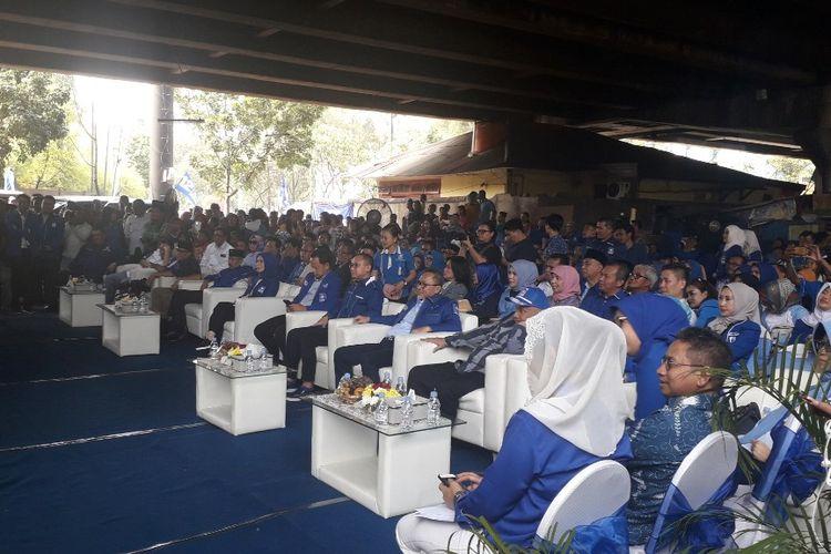Suasana acara HUT ke-21 PAN di kolong tol kawasan Pluit, Jakarta Utara, Jumat (23/8/2019).