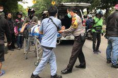 Pengendara Mobil Injak Rem Mendadak, Pemotor Banting Setir lalu Jatuh Tersungkur di Lenteng Agung