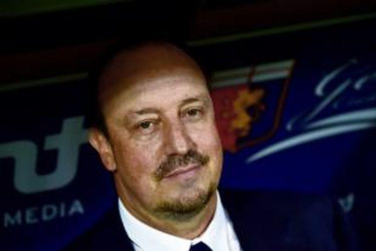 Salah satu ekspresi pelatih Napoli, Rafael Benitez, sebelum pertandingan Serie-A antara timnya dan Genoa, di Luigi Ferraris, Genoa, 30 Agustus 2014.