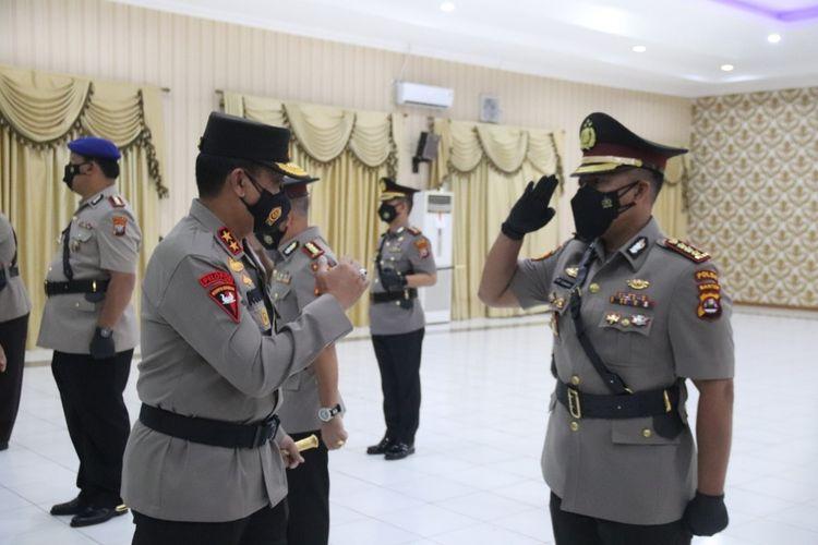 Kapolda Banten Irjen Rudy Heriyanto memimpin serah terima jabatan pejabat utama dan tiga kapolres