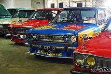 Ratusan Mobil Klasik Kumpul di Kuningan City