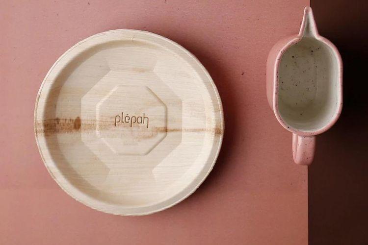 Kemenparekraf mengapresiasi inovasi Plepah yang berhasil memproduksi wadah makanan ramah lingkungan.