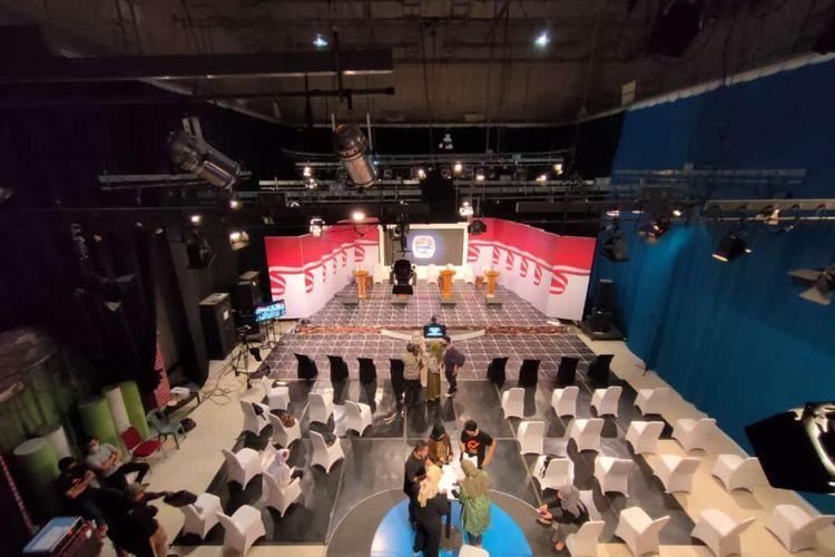 Persiapan di lokasi debat pertama Pilkada Kota Banjarmasin, Kalsel.