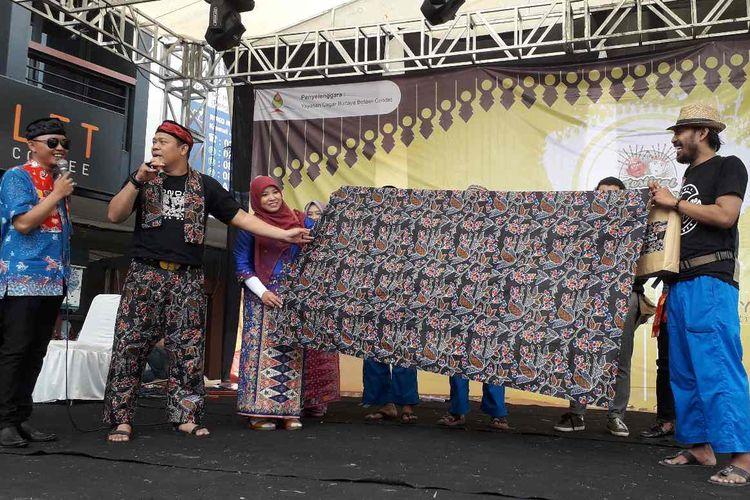 Batik condet yang dihadirkan di Festival Condet 2019 pada Sabtu (27/07/2019).