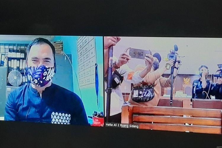 Saipul Jamil saat mengikuti sidang PK beragendakan pembuktian melalui video conference dari Lembaga Pemasyarakatan (LP) Cipinang, Jumat (19/3/2021).