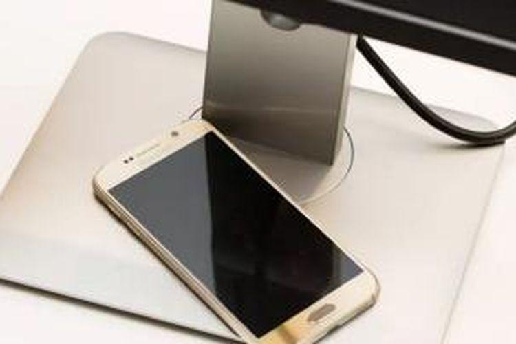 Monitor baru Dell bisa digunakan untuk mencharge baterai smartphone secara nirkabel