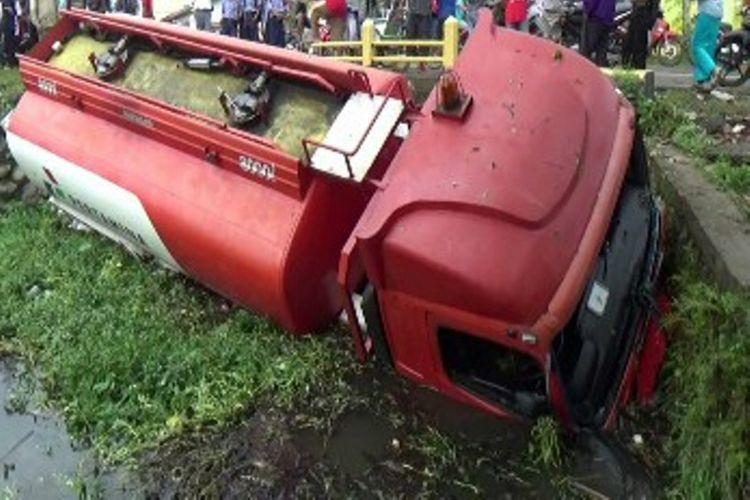 Ilustrasi kecelakaan truk tangki