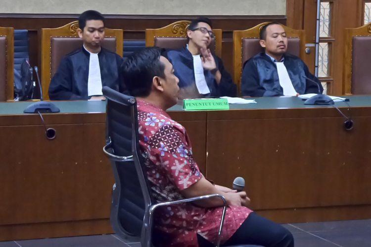 Kamaludin saat mendengar hakim membacakan vonis di Pengadilan Tipikor Jakarta, Senin (4/9/2017).