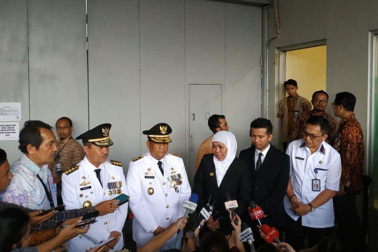 Wakil Ketua Komisi Pemberantasan Korupsi (KPK) Saut Situmorang, mengajak dua pasangan gubernur dan wakil gubernur terpilih ke rumah tahanan (rutan) cabang KPK.