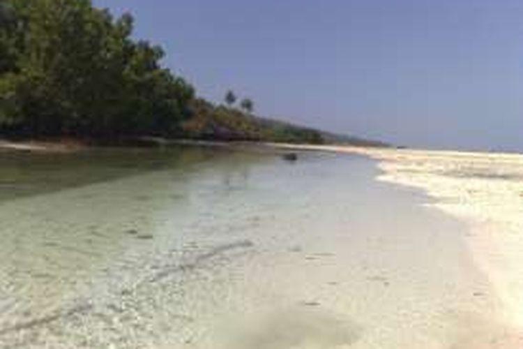 Indahnya Pantai Berpasir Putih Di Buton