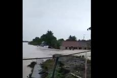 Tinjau Lokasi Banjir Sungai Citarum, BNPB Prioritaskan Logistik Siap Saji dan Evakuasi Korban yang Sakit