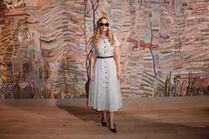 Jennifer Lawrence Pamer Gaya Santai di Ajang Adibusana Dior
