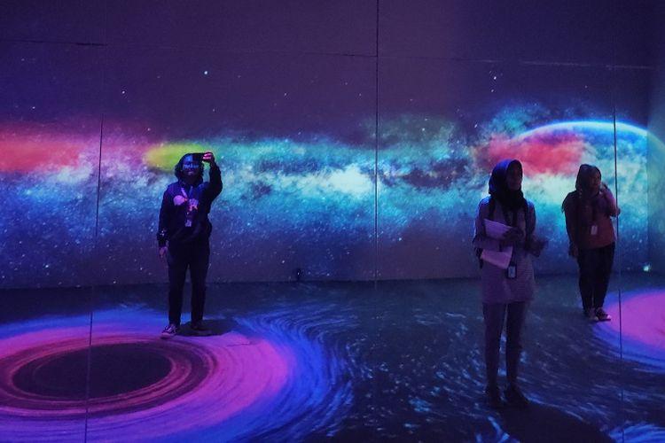 Instalasi Lost in Space di IMAGISPACE, Mal Gandaria City Jakarta, Jumat (28/2/2020).