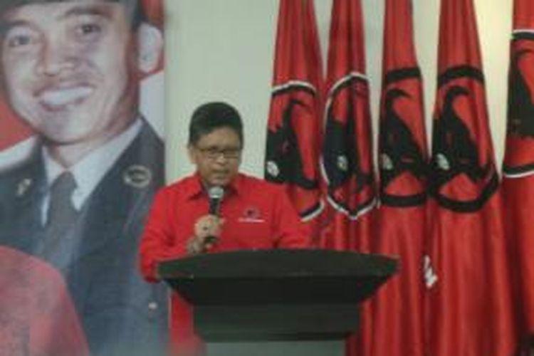 Sekretaris Jenderal PDIP Hasto Kristiyanto saat membuka sekolah partai calon kepala daerah di Kantor DPP PDIP, Jakarta, Minggu (28/6/2015).