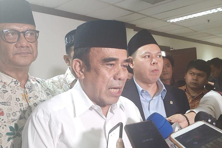 Menag Fachrul Razi di Kompleks Parlemen, Senayan, Jakarta, Senin (10/2/2020).