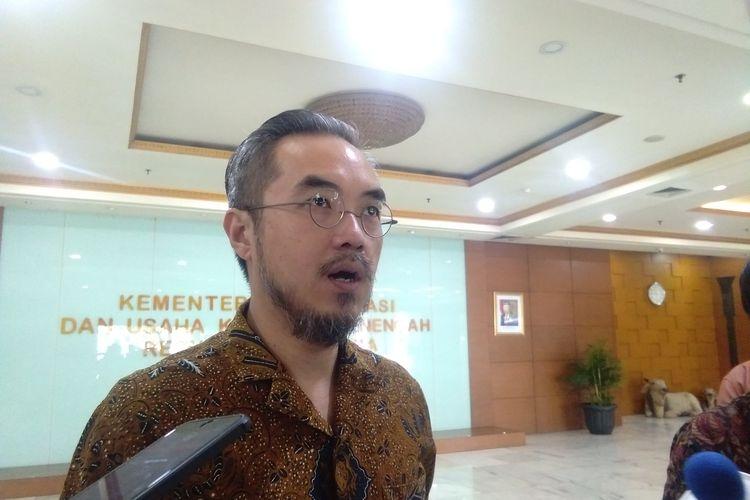 Direktur Utama Smesco, Leonard Theosabrata saat memberikan keterangan pers di Kantor Kemenkop UKM, Jakarta, Jumat (13/3/2020).