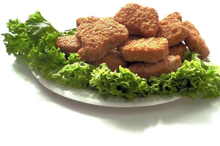 Ilustrasi nugget ayam rumahan.