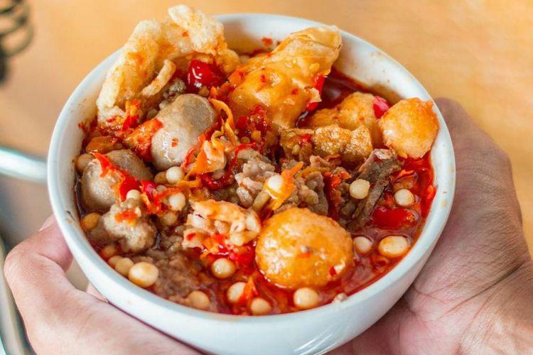 Bakso Boedjangan mengeluarkan menu baru mereka, baso aci. Sebagai ajang promosi, mereka membagikan 21.000 porsi baso aci secara gratis.