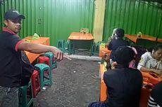Cerita di Balik Viral Foto Mobil Terkepung Tenda Warung Pecel Lele di Bogor