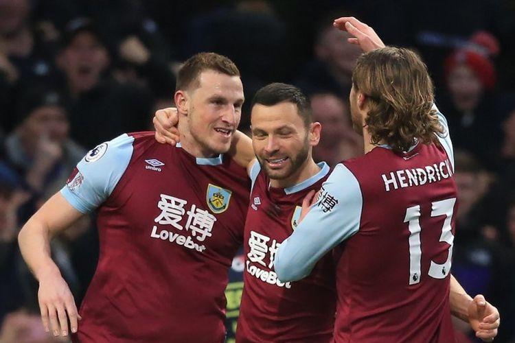 Chris Wood (kiri) saat merayakan gol bersama rekan satu timnya pada laga Burnley vs Tottenham Hotspur dalam lanjutan pekan ke-29 Liga Inggris di Stadion Turf Moor, Minggu 08 Maret 2020 dini hari WIB.