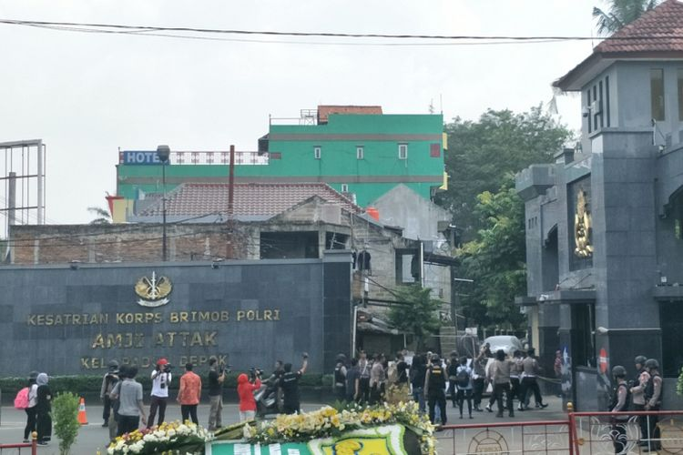 Situasi di depan Mako Brimob, Kelapa Dua, Depok, Jawa Barat, Jumat (11/5/2018).