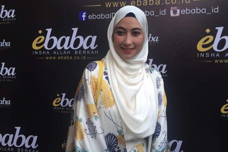 Annisa Trihapsari diabadikan dalam sebuah acara e-commerce di kawasan Pondok Indah, Jakarta Selatan, Jumat (19/5/2017)