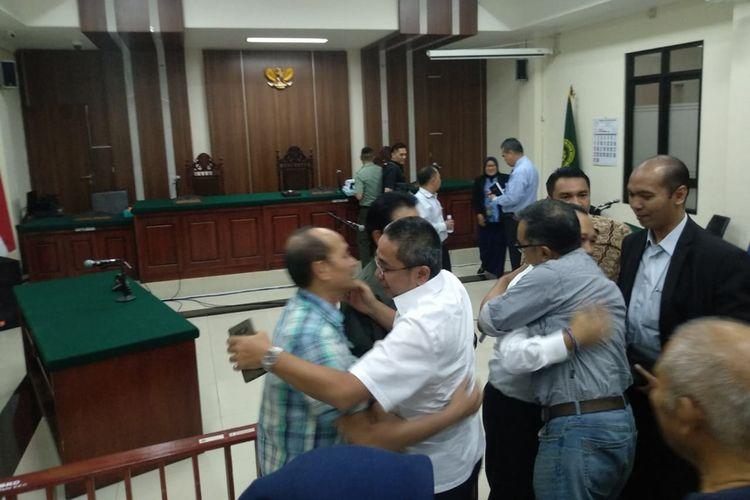 Suasana pasca pembacaan putusan sidang sengketa Sekda Kota Bandung di Pengadilan Negeri Tata Usaha Negara (PTUN), Jalan Diponegoro, Kota Bandung, Senin (1/10/2019).