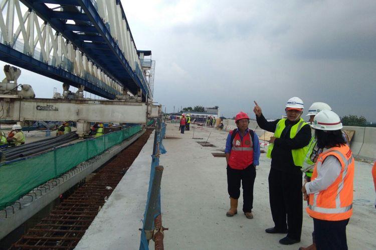 Evaluasi keamanan proyek elevated Tol Bogor Outer Ring Road (BORR), Sabtu (24/2/2018).