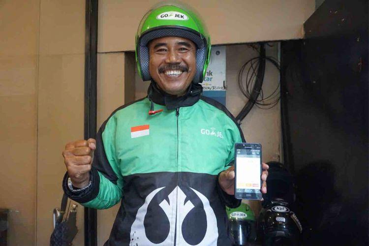 Driver 001 merupakan julukan kepada Mulyono yang merupakan salah satu driver Go-Jek pertama yang beroperasi saat pertama kali perusahaan aplikasi itu muncul di Indonesia pada 2010, Selasa (8/1/2019).