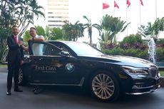 Penumpang First Class Garuda Indonesia Diantar Naik BMW Seri 7