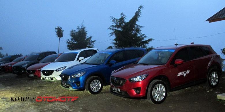 Mazda CX-5 dan 6 di Candi Ceto.