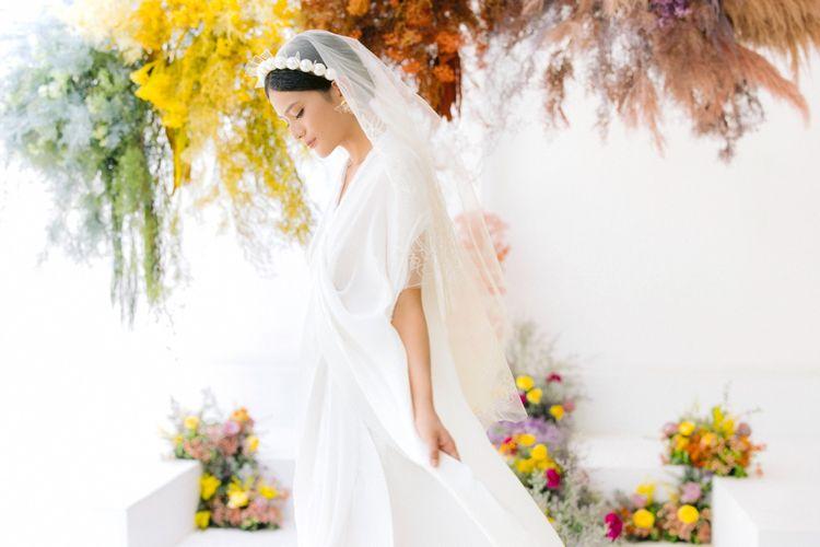 Bridestory bersama Tokopedia memperkenalkan tren pernikahan tahun ini dengan tema ?A Bright New Season?. Tren ini ditandai dengan penggunaan warna-warna cerah seperti kuning, biru muda dan ungu yang menyimbolkan optimisme dari awal perjalanan baru.