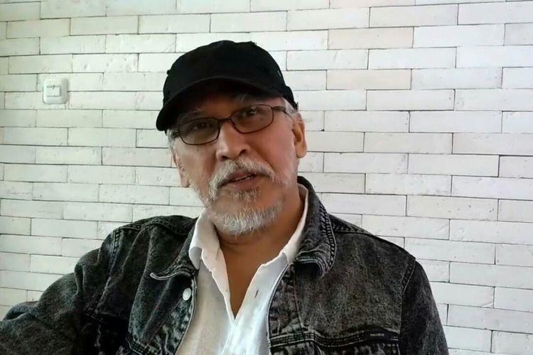 Musisi senior Iwan Fals saat wawancara eksklusif dengan Kompas.com di kawasan Gatot Subroto, Jakarta Selatan, Rabu (5/12/2018).
