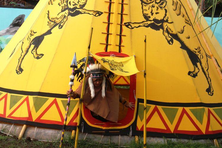 Menikmati sensasi camping di tenda yang mirip dengan suku Indian di Bondowoso
