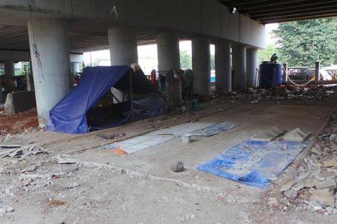 300 PKL dari Kolong Jalan Layang Klender Tunggu Lapak Pengganti