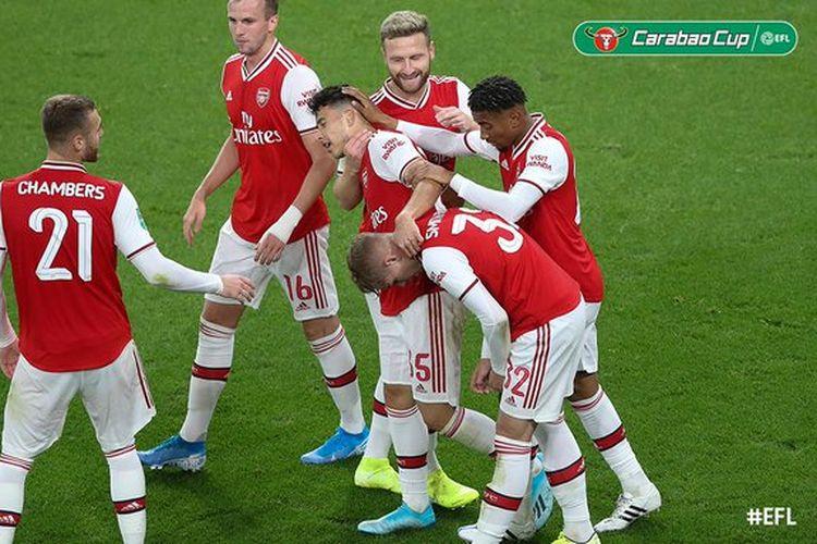 Para pemain Arsenal merayakan gol pada laga Piala Liga Inggris alias Carabao Cup antara Arsenal dan Tottenham Hotspur di Stadion Emirates, 23 September 2019.