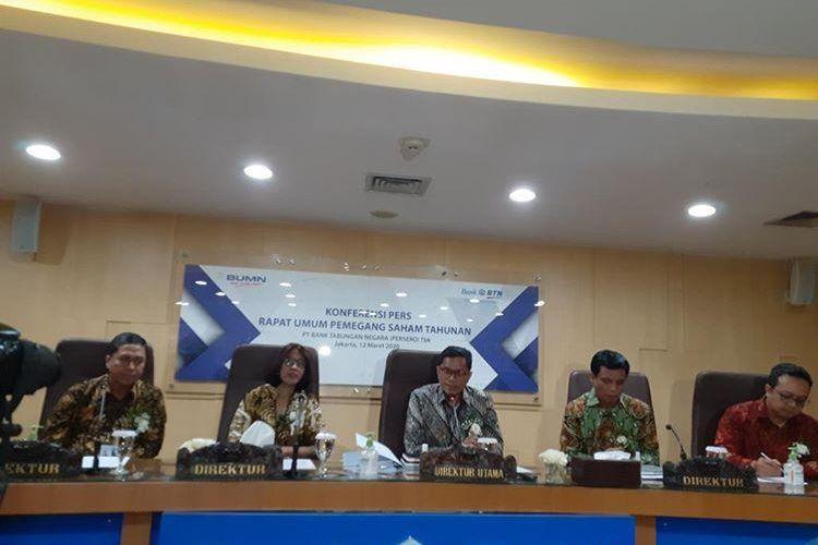 Jajaran direksi BBTN usai menggelar Rapat Umum Pemegang Saham Tahunan (RUPST) di Jakarta, Kamis (12/3/2020).