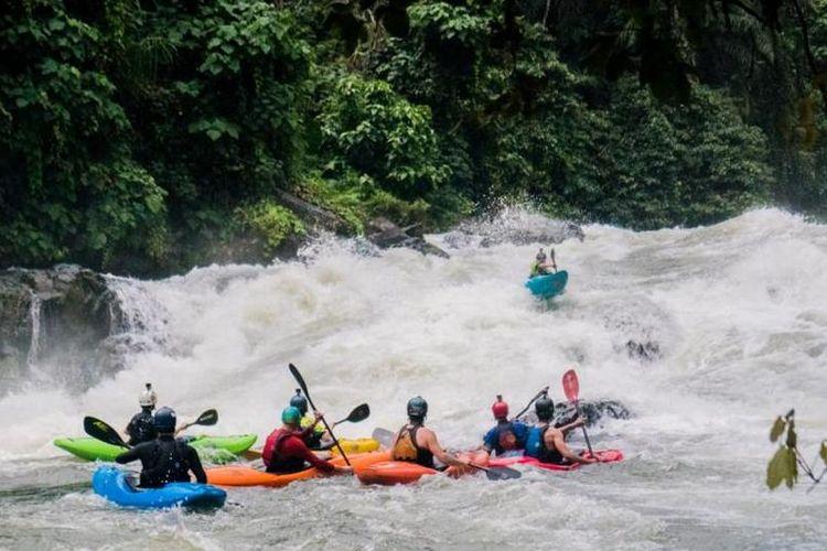 Lomba kayak internasional, Toba Wild International Adventure Festival 2019 berlangsung di Sungai Asahan, Provinsi Sumatra Utara mulai Rabu (4/12/2019) hingga Sabtu (7/12/2019).