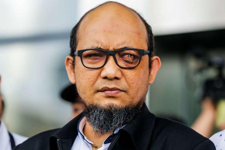 Penyidik KPK Novel Baswedan tiba di gedung KPK, Jakarta, Kamis (22/2/2018). Novel kembali ke Indonesia setelah sepuluh bulan menjalani operasi dan perawatan mata di Singapura akibat penyerangan air keras terhadap dirinya.