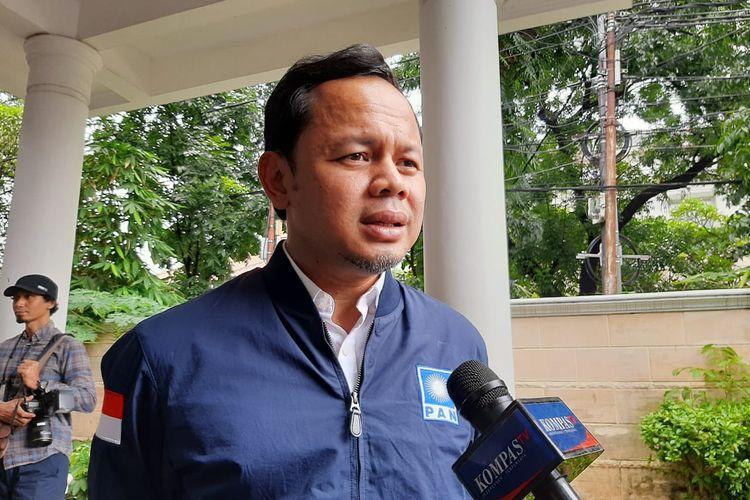 Bima Arya di Sekretariat DPP PAN di Jl Daksa I, Kebayoran Baru, Jakarta, Sabtu (8/2/2020).