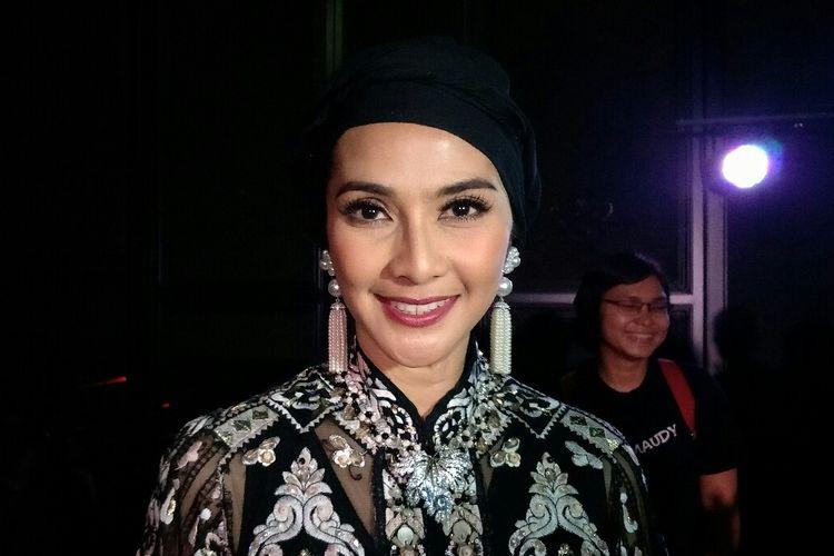 Artis peran Maudy Koesnaedy saat ditemui dalam  gala premiere Si Doel The Movie 2 di Grand Indonesia, Jakarta Pusat, Sabtu (25/5/2019).