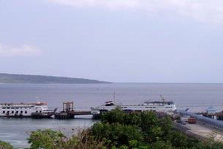 Dermaga Bolok, Kupang, Nusa Tenggara Timur.