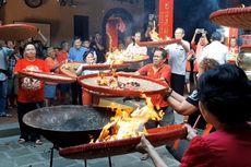 Melihat Tradisi Jelang Imlek di Klenteng Tay Kak Sie Semarang