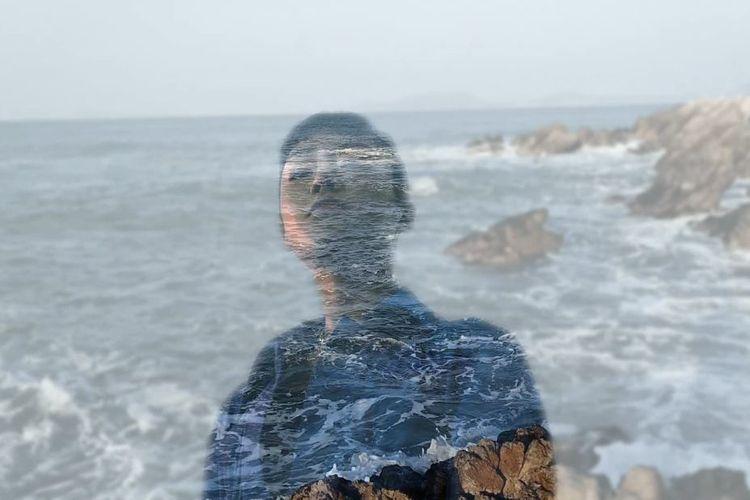 Contoh hasil penggunaan fitur AI Mixed Portrait yang terdapat pada Oppo Reno5.
