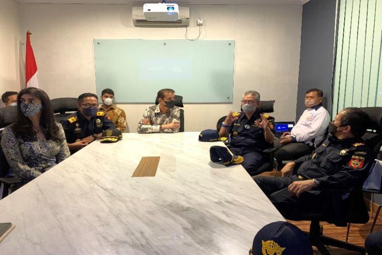 Kunjungan yang dilakukan Ditjen Bea Cukai bertujuan untuk mengenalkan Askolani sebagai dirjen baru Bea Cukai kepada PT Orson Indonesia.