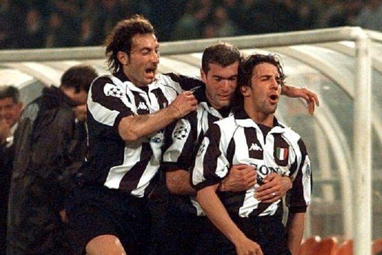 Moreno Torricelli, Alessandro Del Piero, dan Zinedine Zidane saat bermain untuk Juventus.