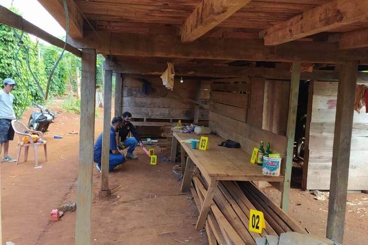 Kepolisian Resor Luwu Timur telah melakukan olah tempat kejadian perkara (TKP) kasus bocah dicekoki minuman keras di Towuti, Luwu Timur, Sulawesi Selatan, Jumat (28/08/2020)