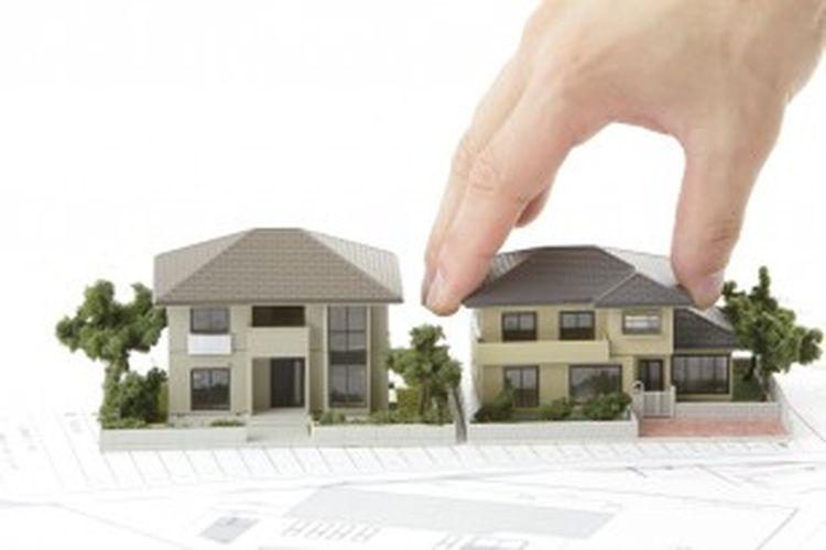 Secara teori, akibat kenaikan itu pengembang juga akan menaikkan harga jual rumahnya. Namun, tentu saja, dalam praktiknya tidak sesederhana itu. Karena naiknya BBM tidak berdampak secara langsung terhadap kenaikan harga rumah.