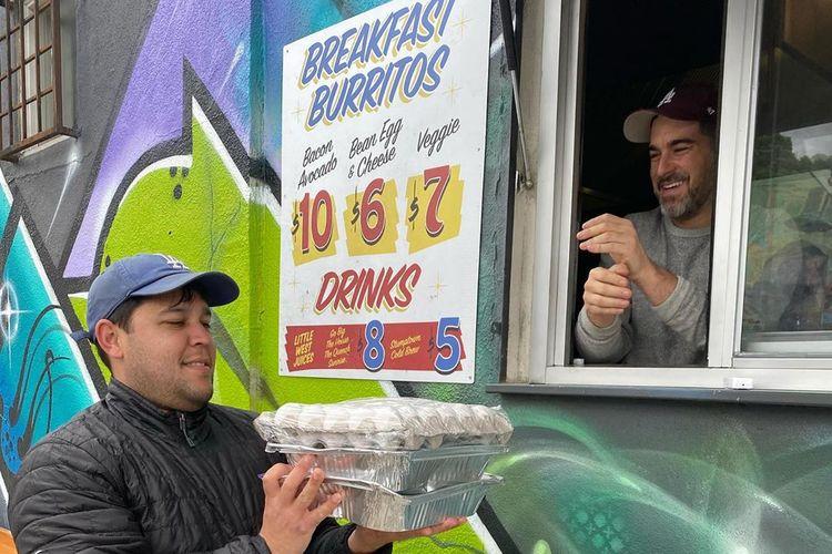 Inisiatif Emergency Taco Kits dari Guerilla Tacos